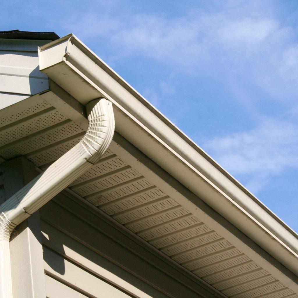 pemasangan sistem saliran bumbung